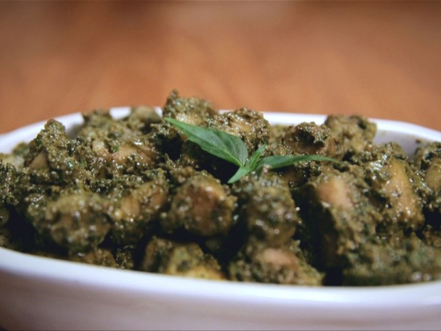 NHOQUE DE INHAME AO PESTO