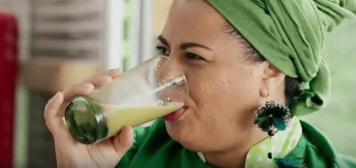 Suco de maracujá com coentro-do-mato, gengibre e manjericão
