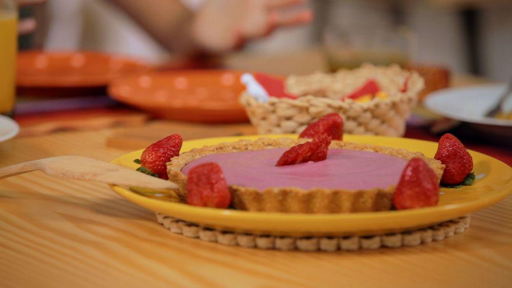 Torta gelada de frutas vermelhas